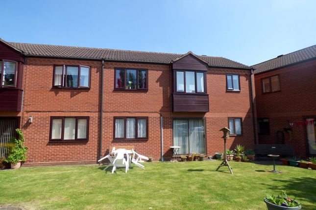 Thumbnail Flat for sale in Foregate Street, Astwood Bank, Redditch