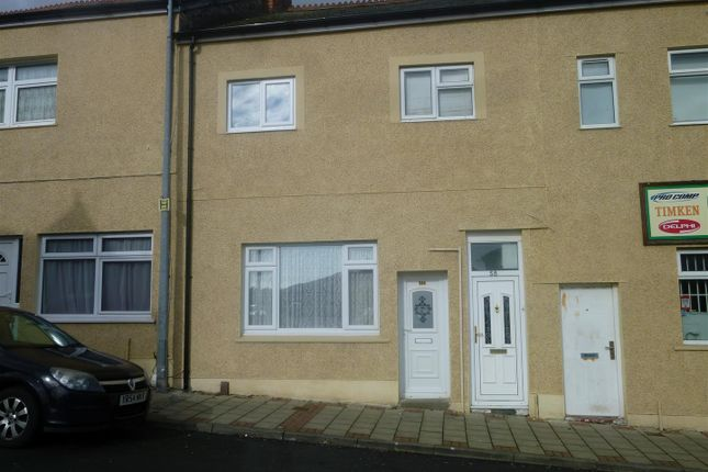 Thumbnail Flat to rent in Main Street, Barry