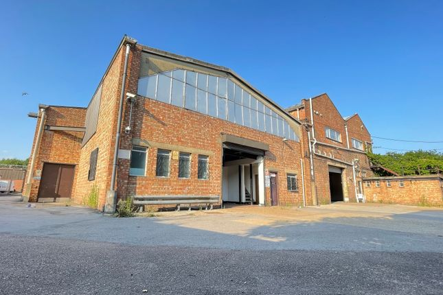 Thumbnail Warehouse to let in Crawley Road, London