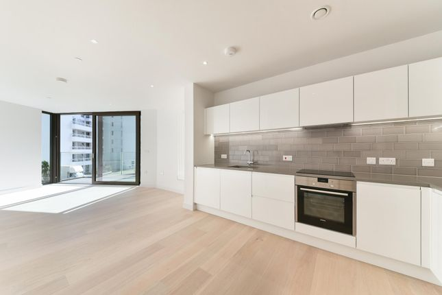 Thumbnail Flat to rent in Summerston House, Royal Wharf, London