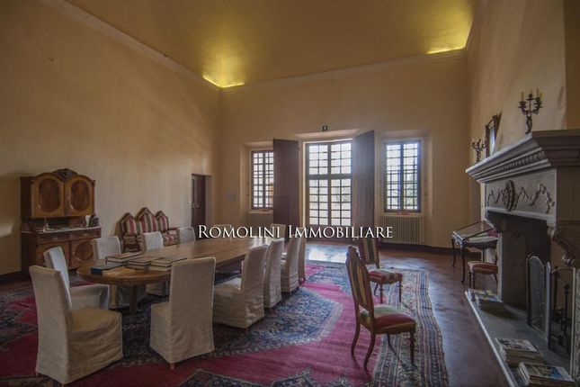 Tuscan Estate With Manor Villa, 284 Ha Of Land, Vineyards,Olive Grove For Sale In Italy