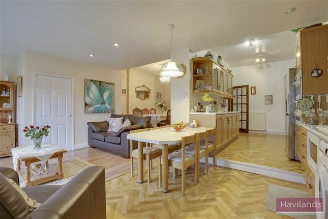 Thumbnail Property for sale in Fords Grove, London