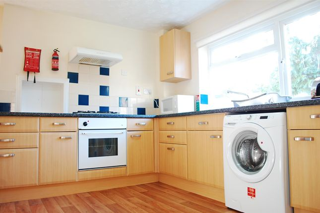 Thumbnail Semi-detached house to rent in Coolidge Close, Oxford