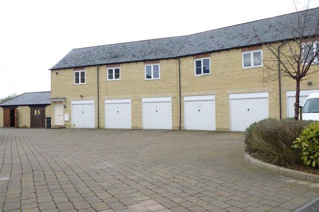 Garage of Harvest Bank, Carterton OX18