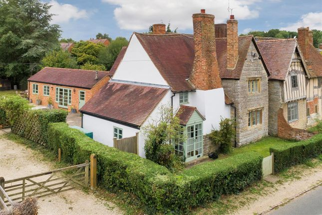 Thumbnail Country house for sale in Welford Road, Barton, Alcester, Warwickshire