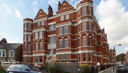 Thumbnail Property to rent in Hamlet Gardens, London