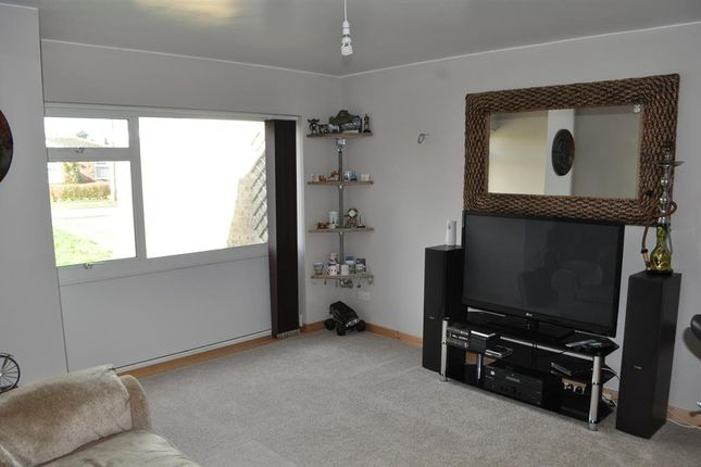 Thumbnail Bungalow to rent in St. Laurence Avenue, Brundall, Norwich