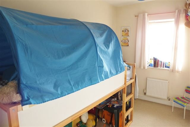 Bedroom of Holywell Heights, Sheffield S4