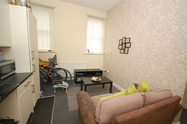 1 bed flat to rent in Wellington Street, Failsworth, Manchester, Lancashire