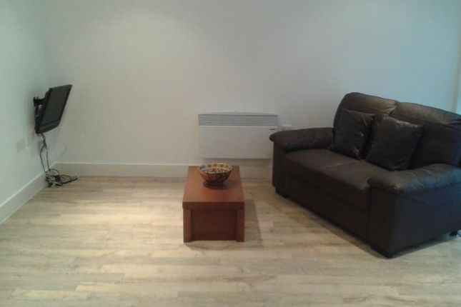 Studio to rent in Waterfront Walk, Birmingham B1