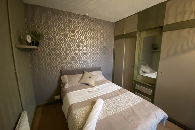 Thumbnail Room to rent in Balmoral Road, Northampton