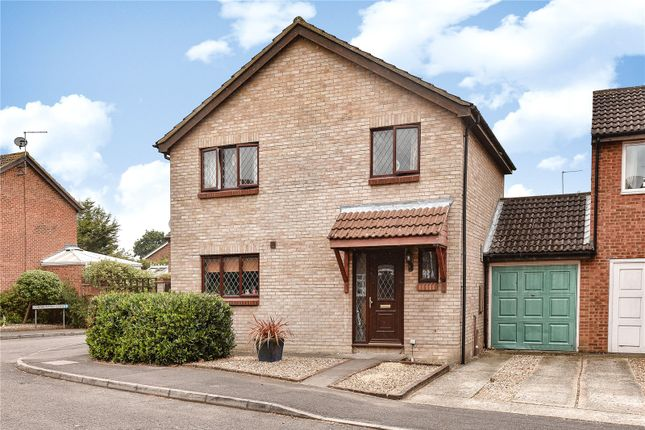 Thumbnail Detached house for sale in Avocet Crescent, College Town, Sandhurst, Berkshire
