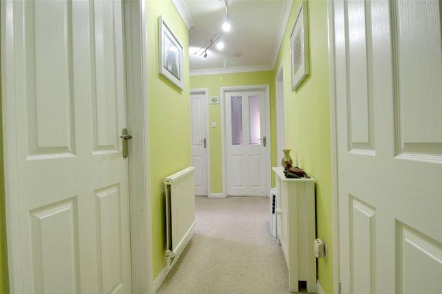 Valerie Court Bath Road Reading Berkshire Rg1 2 Bedroom Flat For Sale 45640713 Primelocation