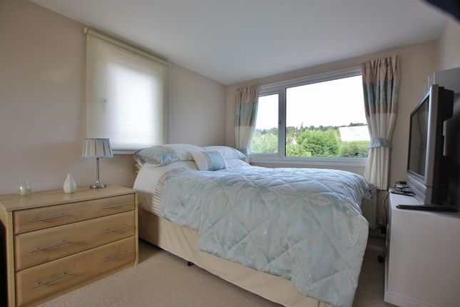 Photo 33 of Meadway, Lower Heswall, Wirral CH60
