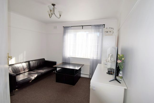 Thumbnail Flat to rent in Fells Haugh, Acton
