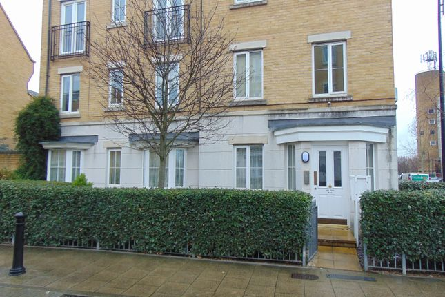 Thumbnail Flat to rent in Lynbrook Grove, London