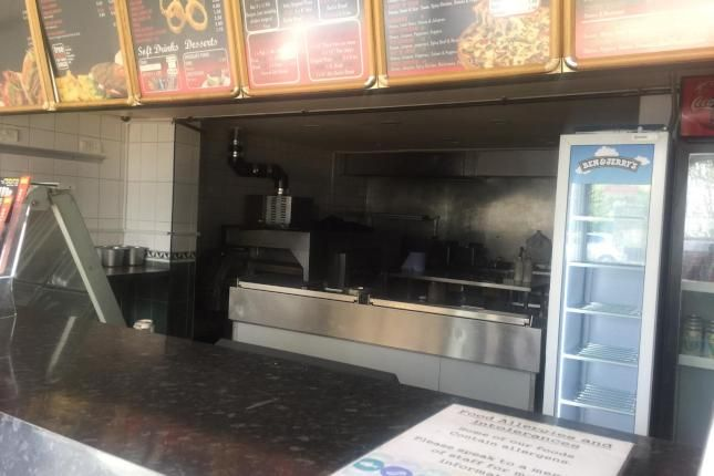 Thumbnail Restaurant/cafe to let in Warmsworth Road, Balby, Doncaster