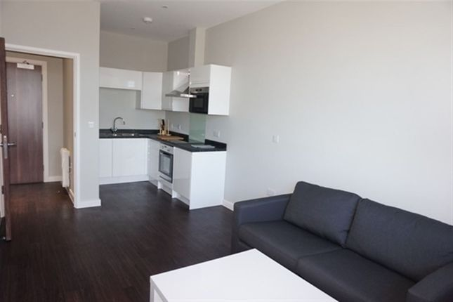 1 bed flat to rent in Axis House  Bath Road  Heathrow  London1 bed flat to rent in Axis House  Bath Road  Heathrow  London UB3  . Rooms To Rent Bath Road Heathrow. Home Design Ideas