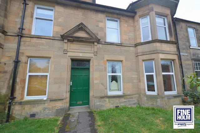2 bed flat to rent in Union Street, Stirling, Stirlingshire FK8