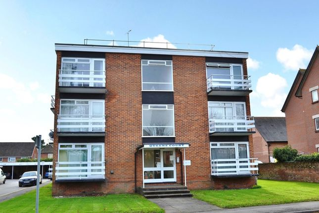 Thumbnail Flat for sale in St. Johns Road, Newbury