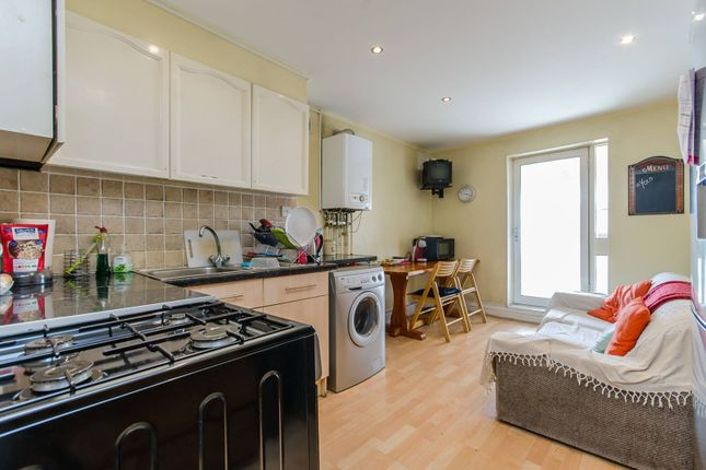 Thumbnail Flat for sale in Grantham Road, Clapham North