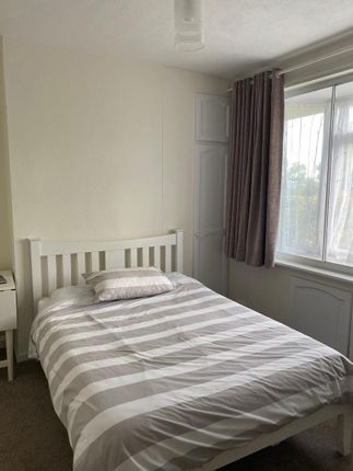 5 bed terraced house to rent in High Street, Yiewsley, West Drayton UB7