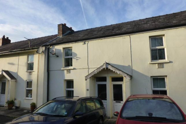 2 bed property to rent in Priory Row, Carmarthen SA31