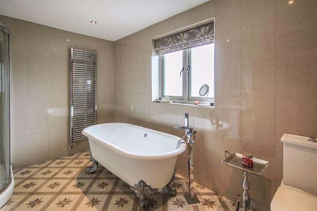 Bathroom of Sandham Lane, Ripley DE5