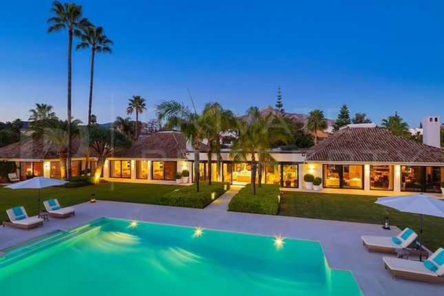 Thumbnail Villa for sale in Aloha, Marbella, Málaga, Spain