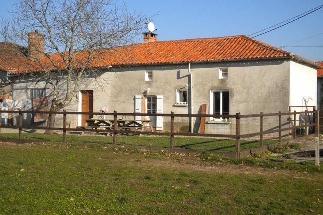 1 bed farmhouse for sale in Poitou-Charentes, Charente, Abzac