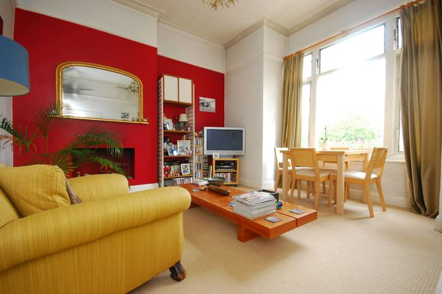 Thumbnail Flat for sale in Beaconsfield Road, Friern Barnet