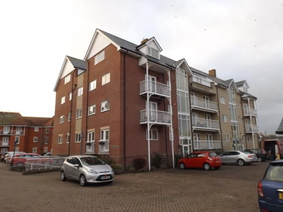 Thumbnail Flat for sale in Vista Road, Clacton-On-Sea, Essex