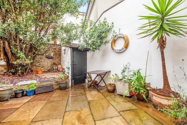 Thumbnail Property to rent in Beach Street, Dawlish