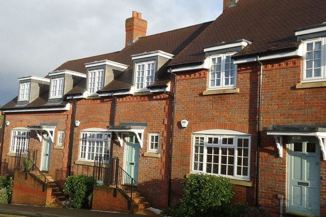 Thumbnail Terraced house to rent in Roughdown Road, Hemel Hempstead