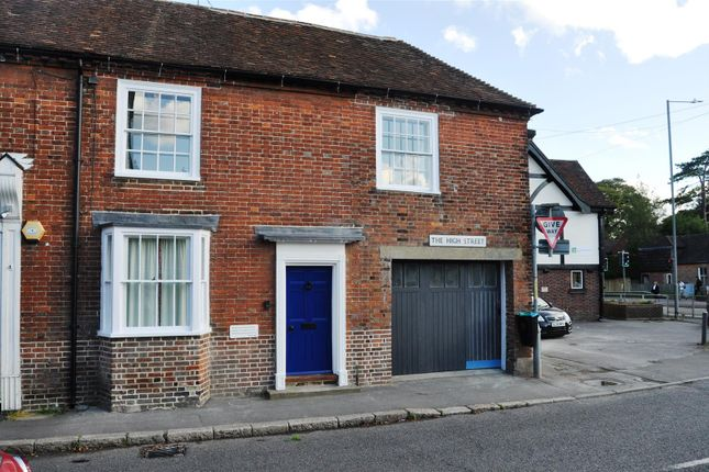3 bed property to rent in High Street, Charing, Ashford TN27