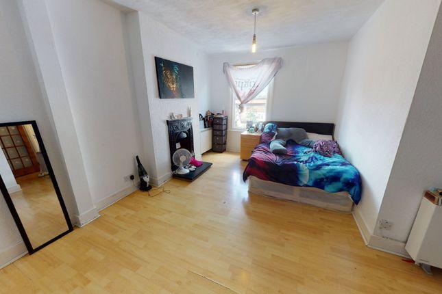 Studio for sale in Langdale Road, Thornton Heath CR7