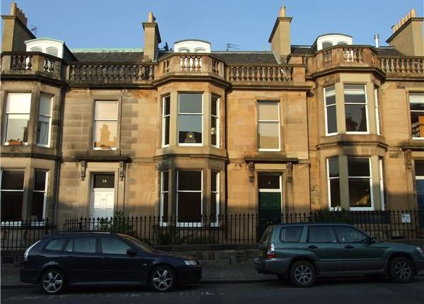 Thumbnail Flat to rent in Lennox Street, Edinburgh