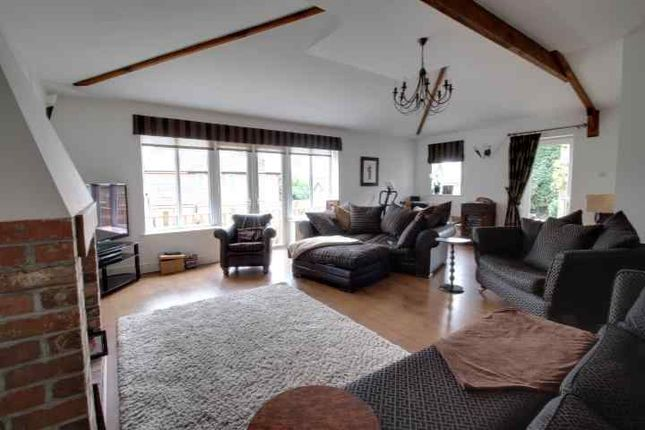 Living Room of Maple Avenue, Sandiacre, Nottingham NG10