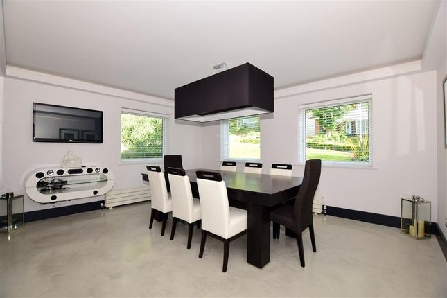 Family Room of Birch Crescent, Aylesford, Kent ME20
