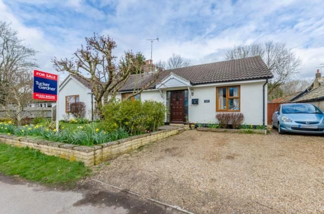Thumbnail Bungalow for sale in Thriplow, Hertfordshire