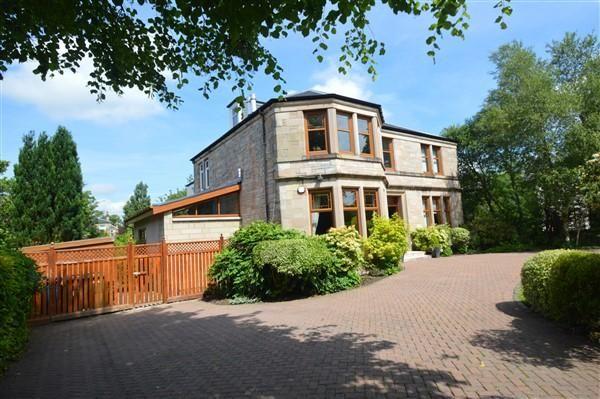 Thumbnail Flat for sale in Fern Avenue, Lenzie, Glasgow