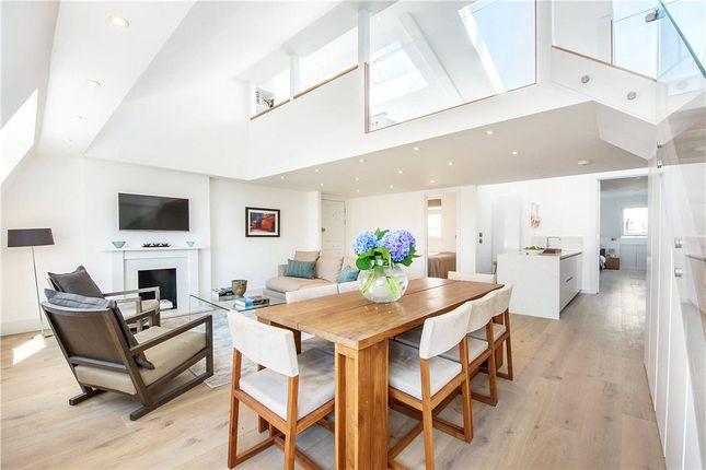 3 bed flat for sale in Kensington Court, Kensington