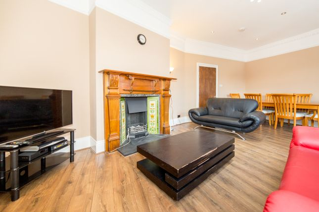 Thumbnail Maisonette to rent in Jesmond Road, Sandyford, Newcastle Upon Tyne
