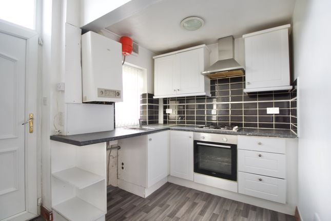 4 bed end terrace house for sale in Fair Road, Wibsey, Bradford BD6