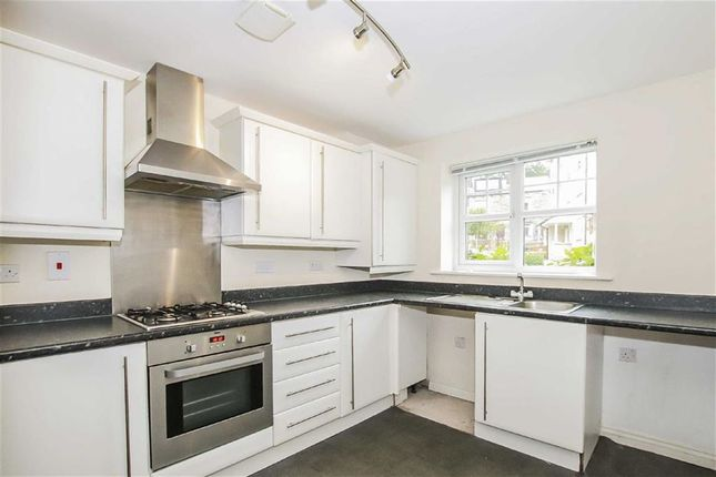 Thumbnail Town house for sale in Stonemere Avenue, Todmorden, Lancashire
