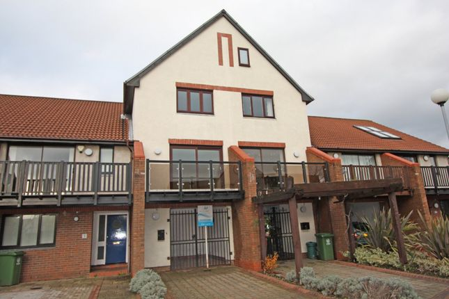 Thumbnail Town house to rent in Holywell Drive, Port Solent, Portsmouth