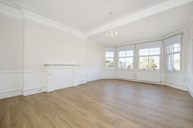Flat to rent in Earls Court Rd, Earls Court