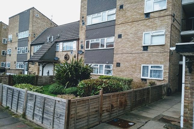 Thumbnail 1 bed flat for sale in Midsummer Avenue, Hounslow