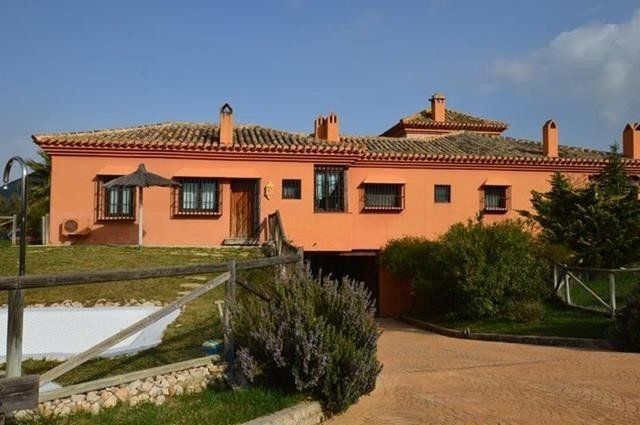 8 bed finca for sale in 29200 Antequera, Málaga, Spain
