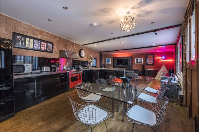 Thumbnail Terraced house for sale in Hanover Yard, London